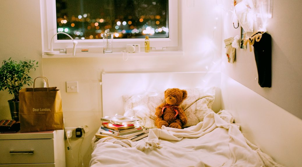 bed for 3 year old with teddy bear