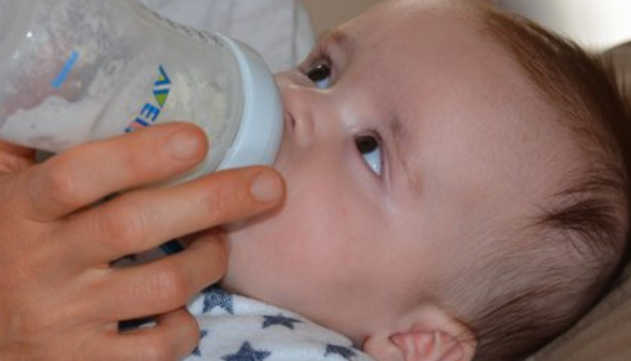 Combining Breastfeeding And Formula Feeding